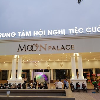 The Convention & Wedding Center - Moon Palace recruits